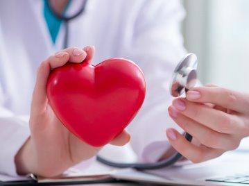 """""""การฉีดสีสวนหัวใจ"""" ตรวจหลอดเลือดหัวใจตีบ ตันได้ตรงจุด"""