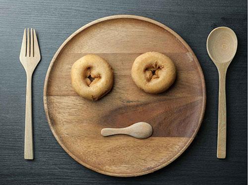 เมื่อผู้สูงอายุไม่ยอมทานข้าว ..กลุ้มใจทำอย่างไรดี